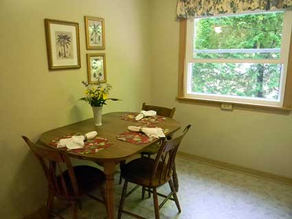 Carriage House Rental Cottage Dining